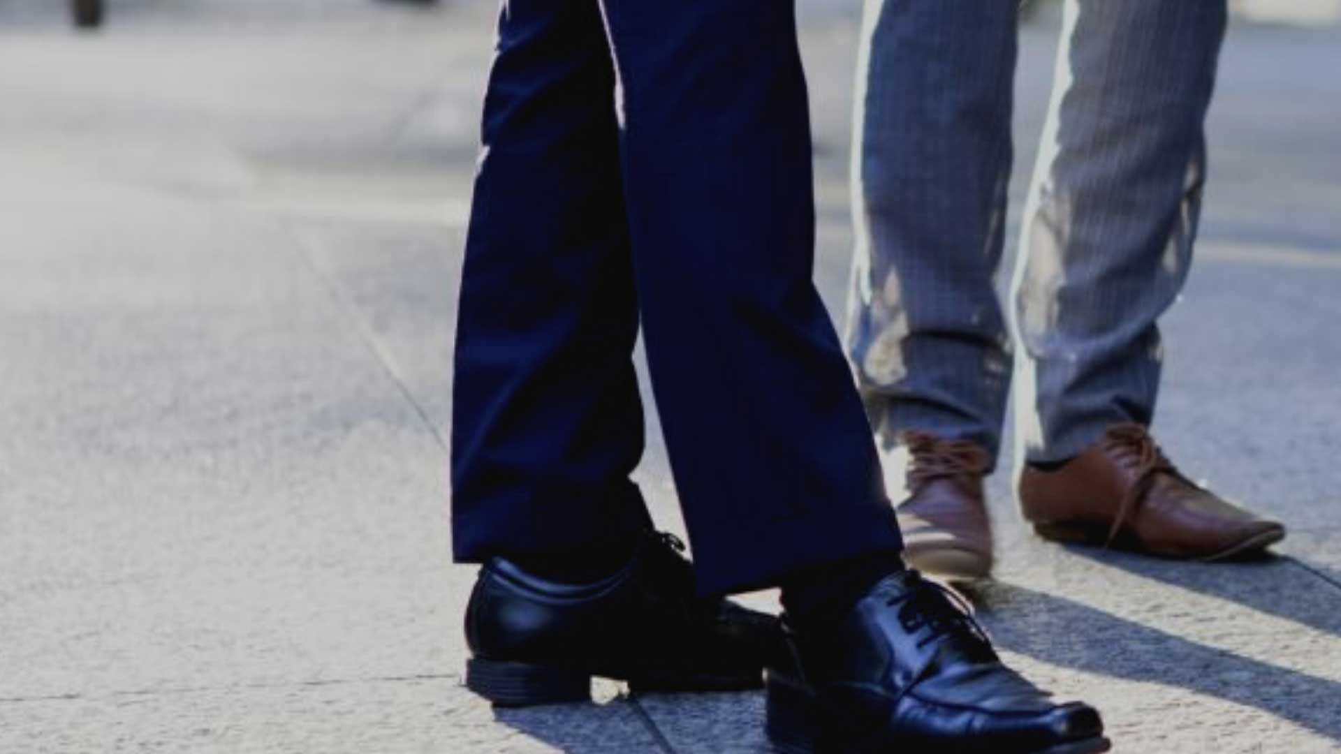 chaussure-homme-brillant